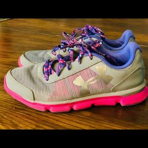 GUC Girls Youth Under Armour shoes size 4.5Y